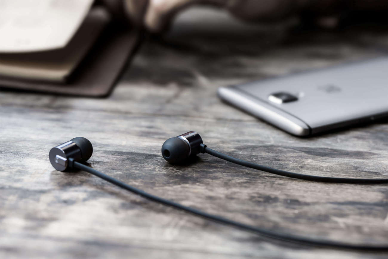 OnePlus Bullets V2 Earbuds