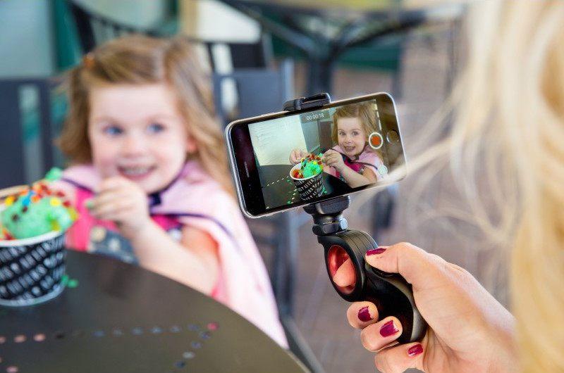 Pivot Smartphone Grip by olloclip