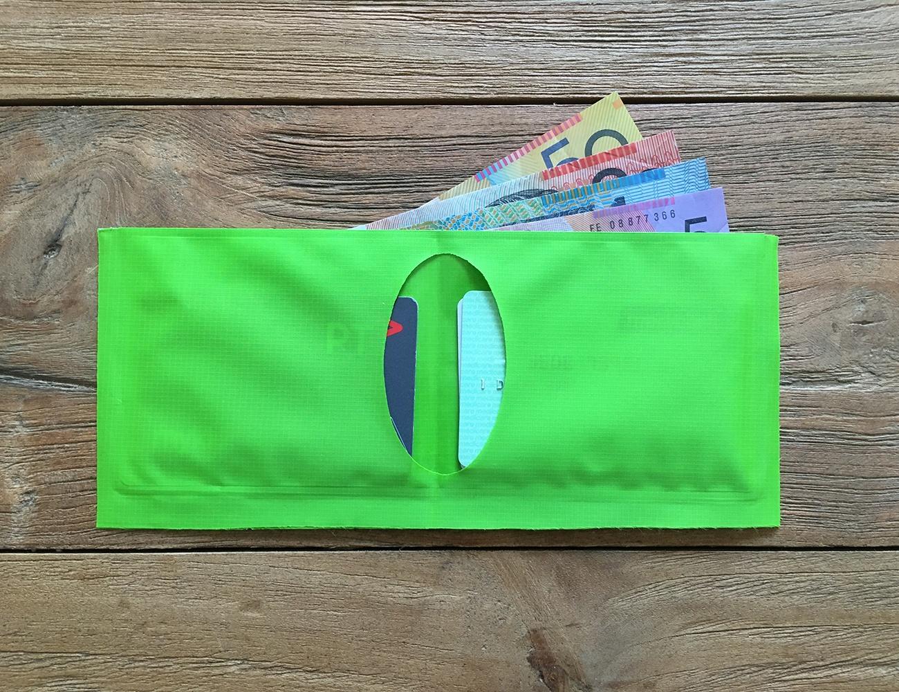 Scrubba – Weightless Wallet