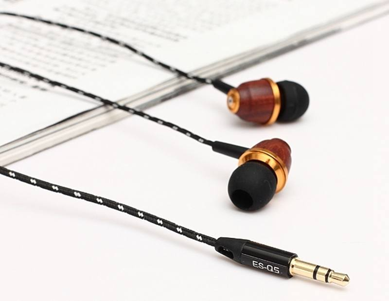 Stereo Wooden Earphones by Aiwei