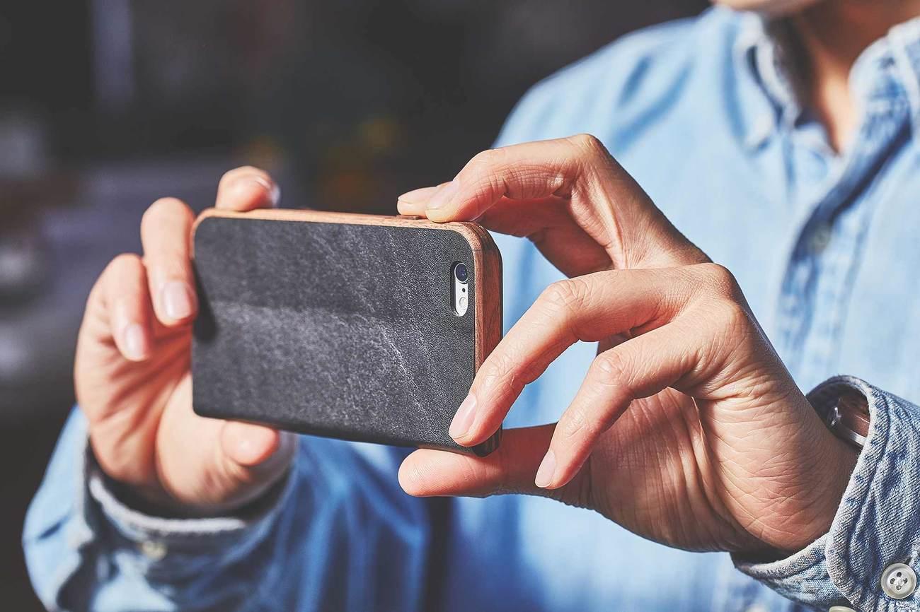 Walnut & Leather iPhone 7 Wallet Case