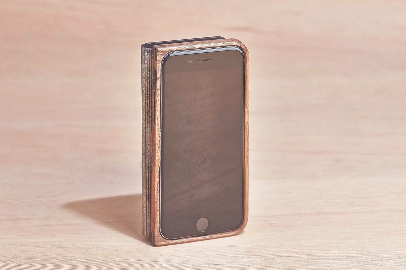 Walnut & Leather iPhone 7 Wallet Case