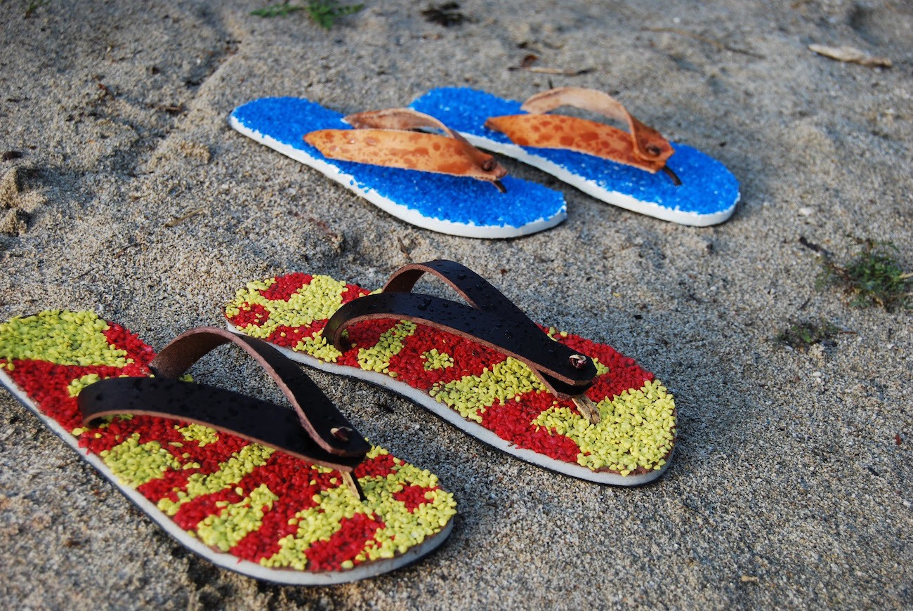 ZAKISTAR – Comfortable & Classy Pebble Covered Flip Flops