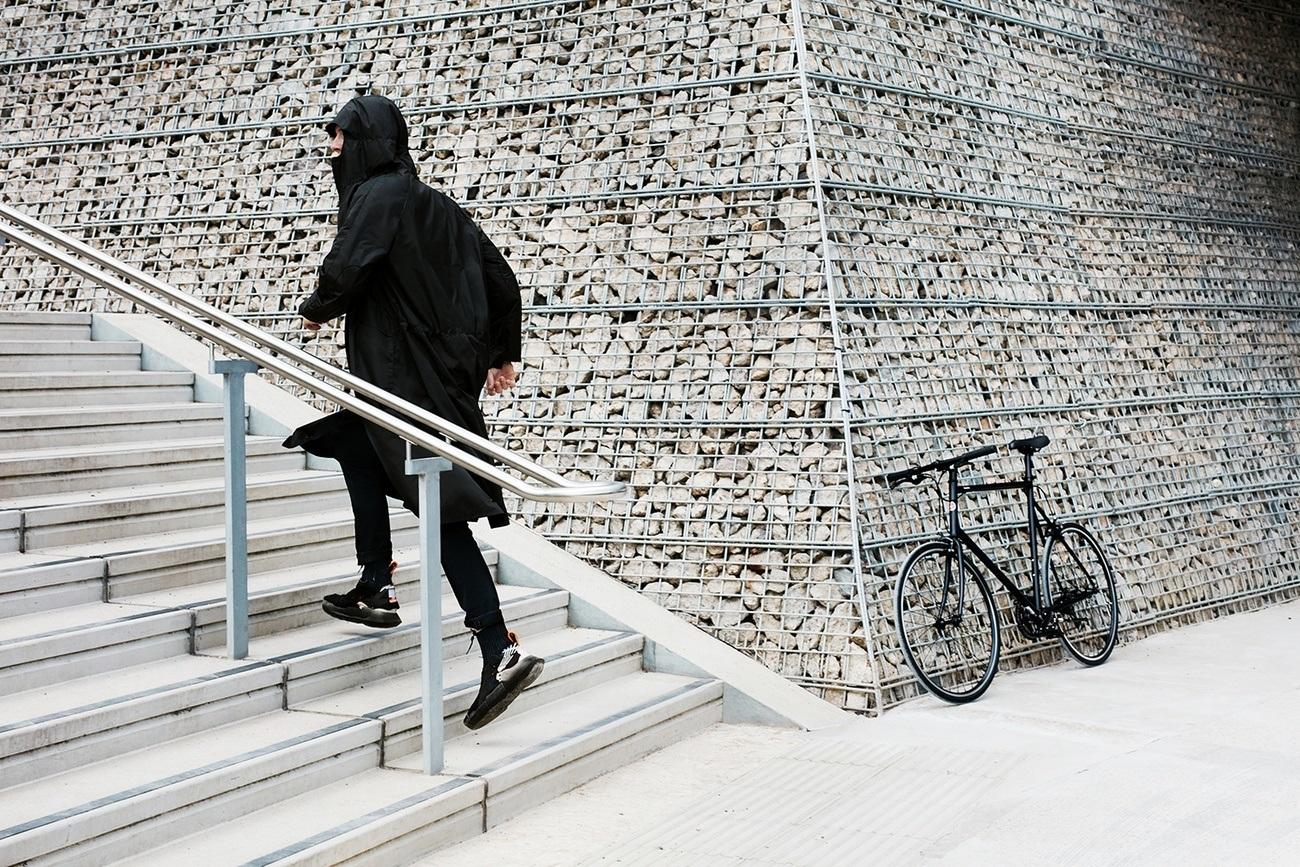 Cyclist Raincoat – Your Urban Lifestyle Essential