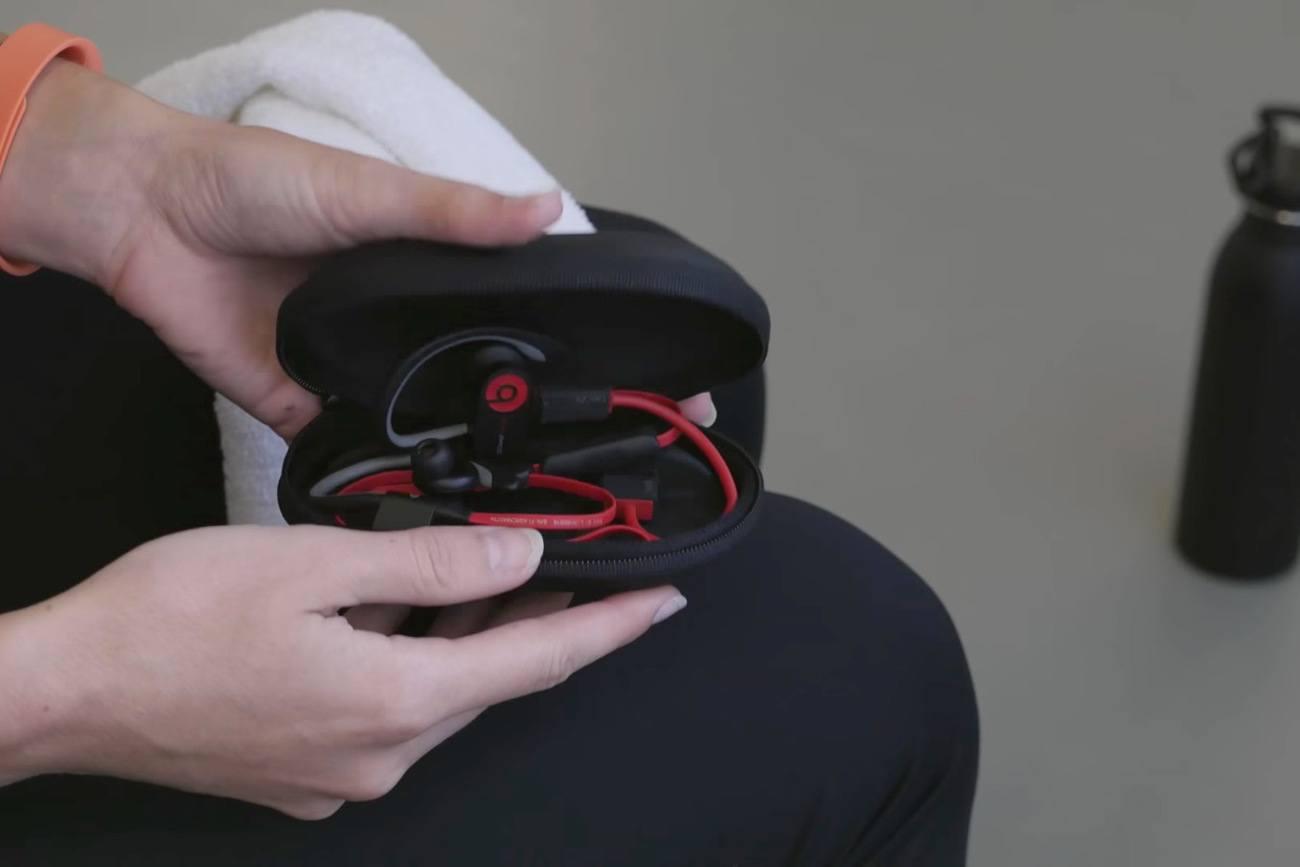 mophie power capsule Charging Case