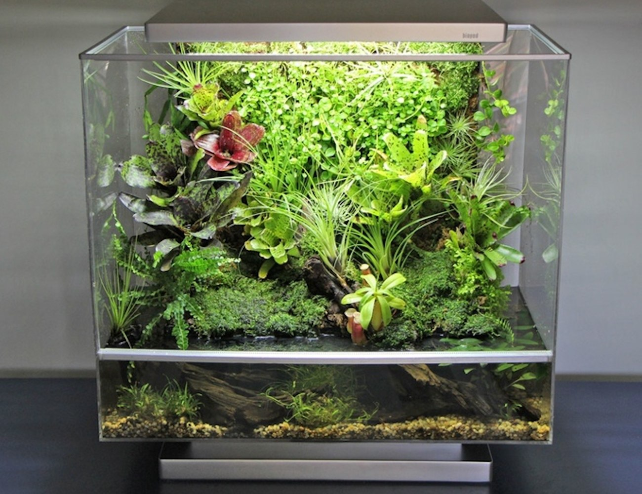 Biopod Self-Contained Ecosystem