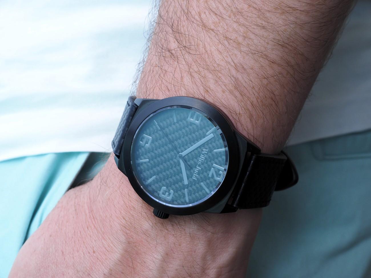 carbon fiber watch made affordable designed in australia gadget flow. Black Bedroom Furniture Sets. Home Design Ideas