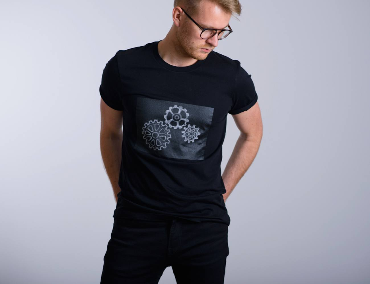 Challky – Streetwear T-shirt with a drawable surface