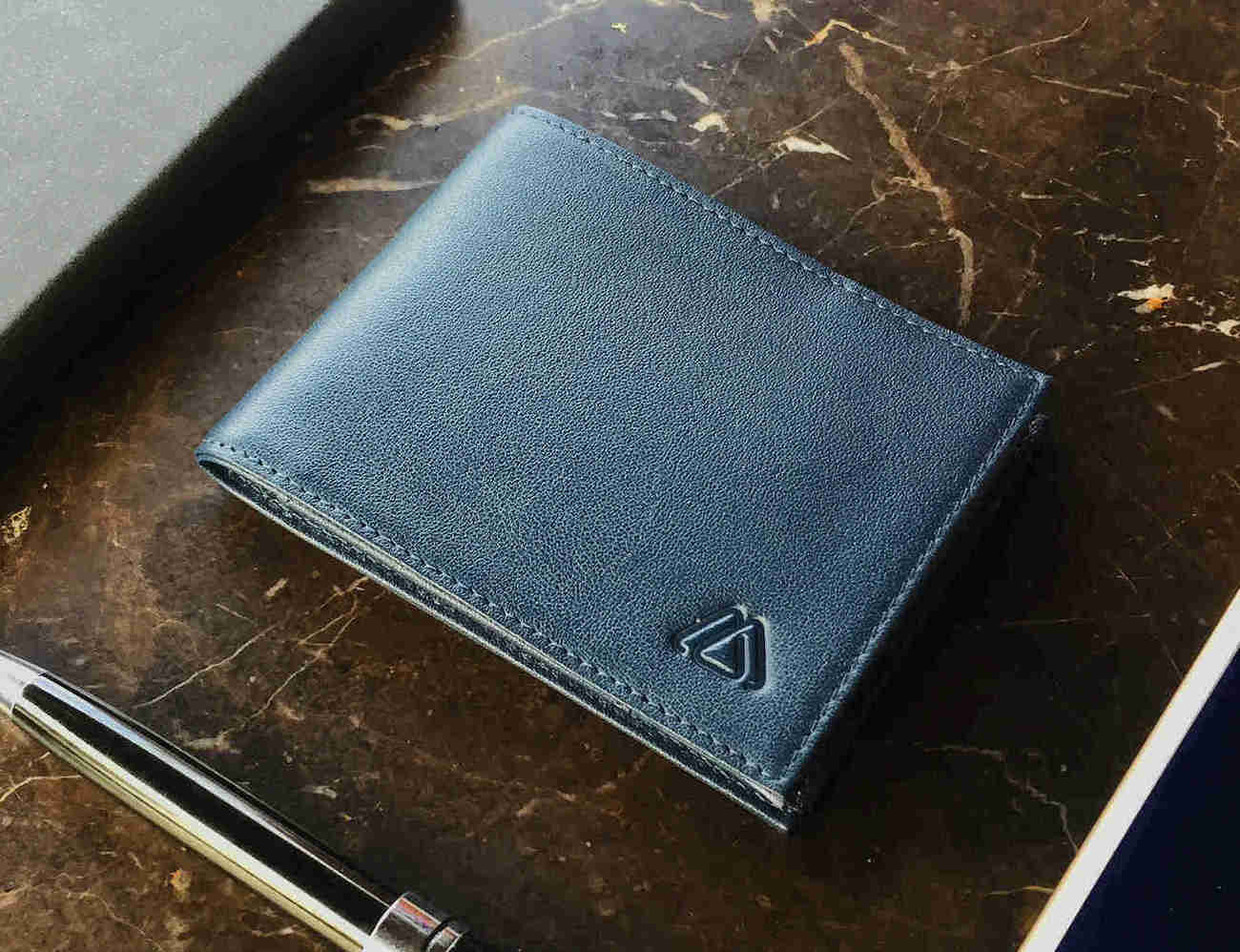 Deuce+Wallet+%26%238211%3B+The+Best+2-in-1+Minimalist+Bifold+RFID+Wallet