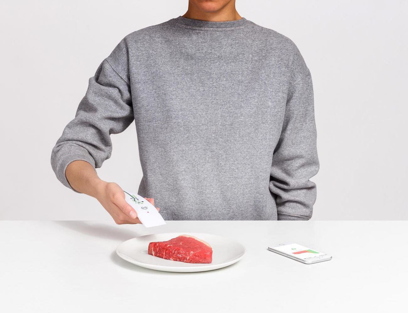FOODsniffer – A Smart Kitchen Tool To Enjoy Meals Safely