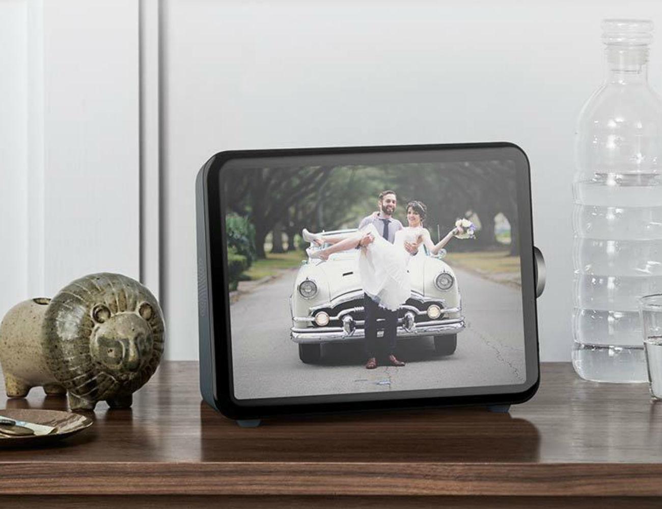 Loop Personal Photo Display