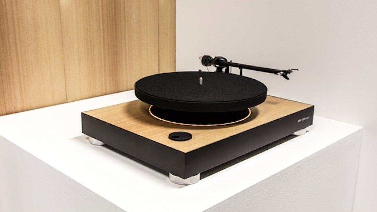 mag lev audio levitating turntable review the gadget flow. Black Bedroom Furniture Sets. Home Design Ideas
