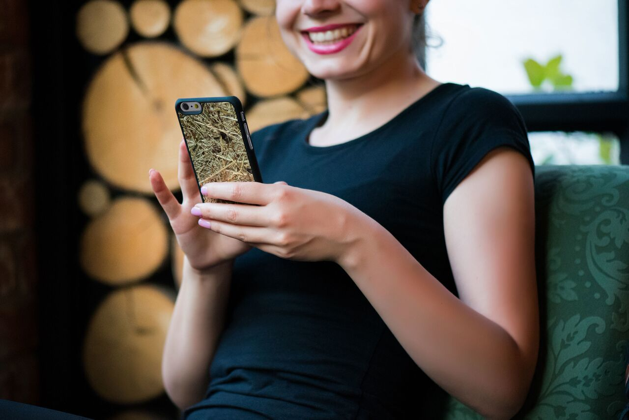 Organika Cases – Phone Cases From Real Natural Materials