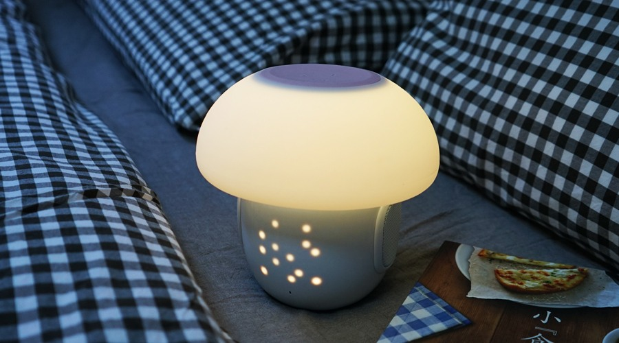 Romi – A Glowing Mushroom Lights Up Your Room