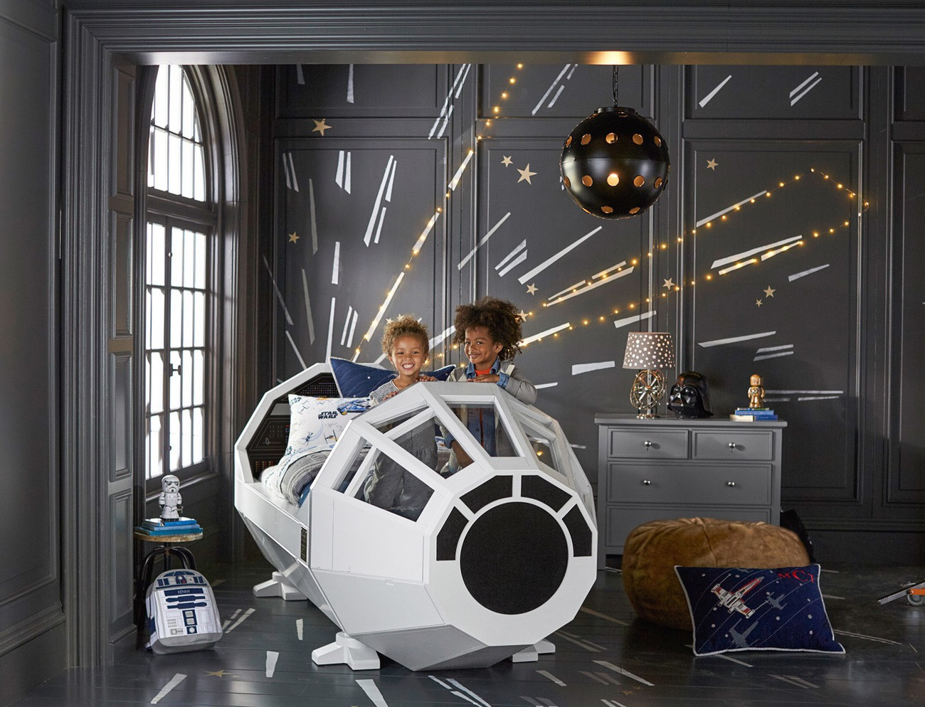 Star+Wars+Millennium+Falcon+Bed+By+Pottery+Barn