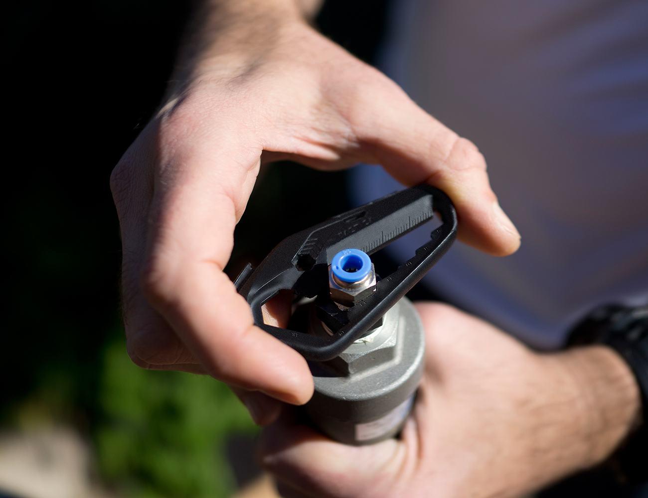 Talon – Ultra Lightweight Pocket Tool For Everyday Carry
