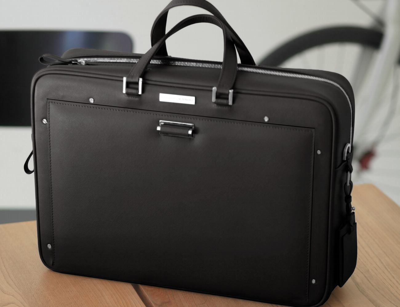 THE WINGCASE – The Smartest Briefcase in the World