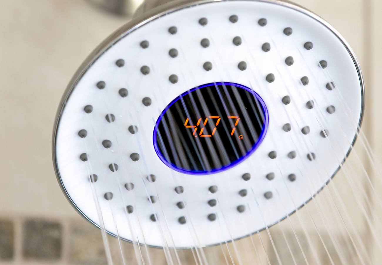 waterhawk smart rain shower head gadget flow. Black Bedroom Furniture Sets. Home Design Ideas