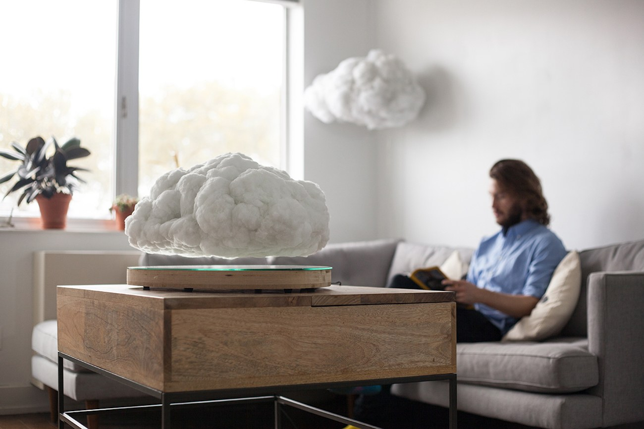 Floating Cloud Display by Crealev