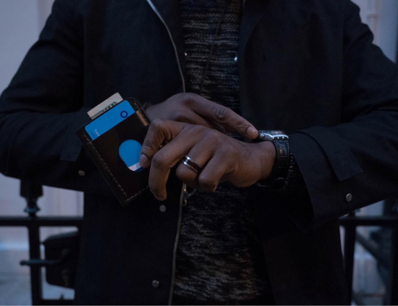 Disc Wallet – Smartest Quick Access Wallet Solution