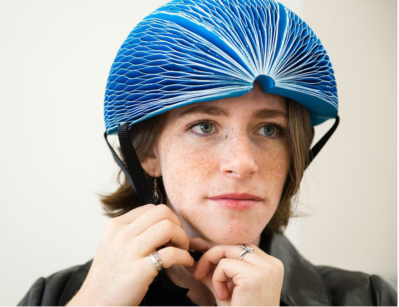 EcoHelmet – Foldable and Recyclable Helmet