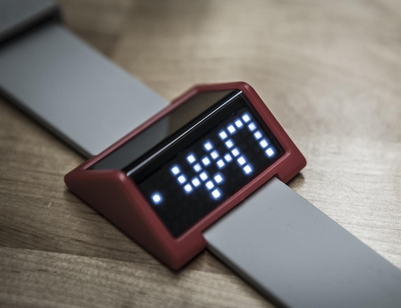 FEMÛR TRIQ – A Unique Digital Watch