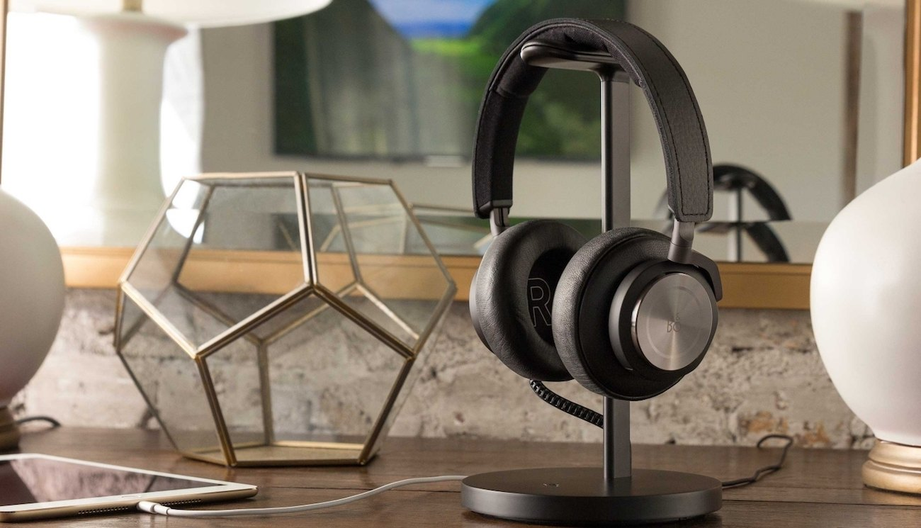 Fermata Charging Headphone Stand