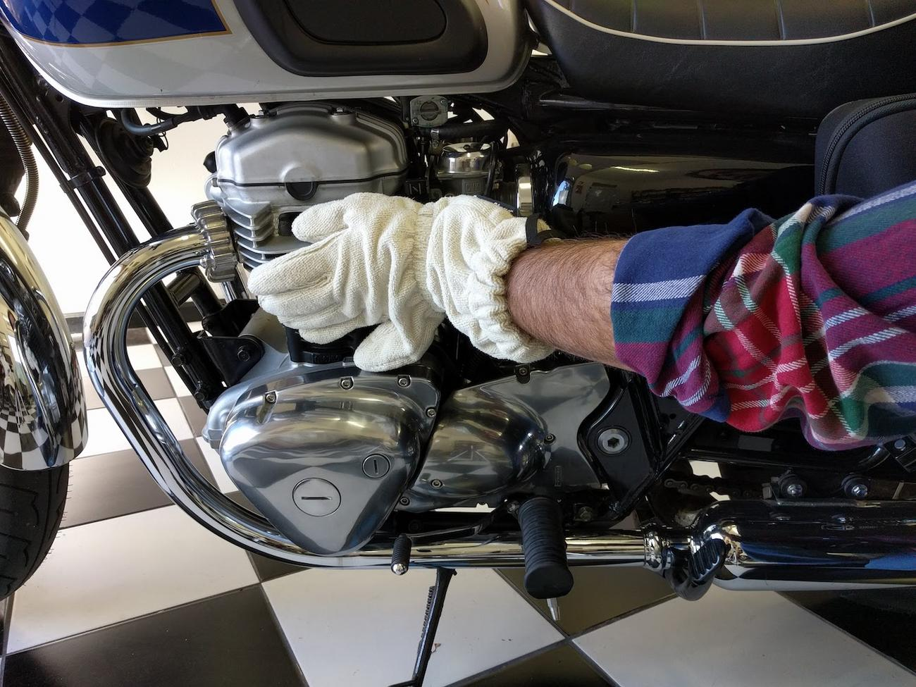 Six-Fingered+Microfiber+Glove