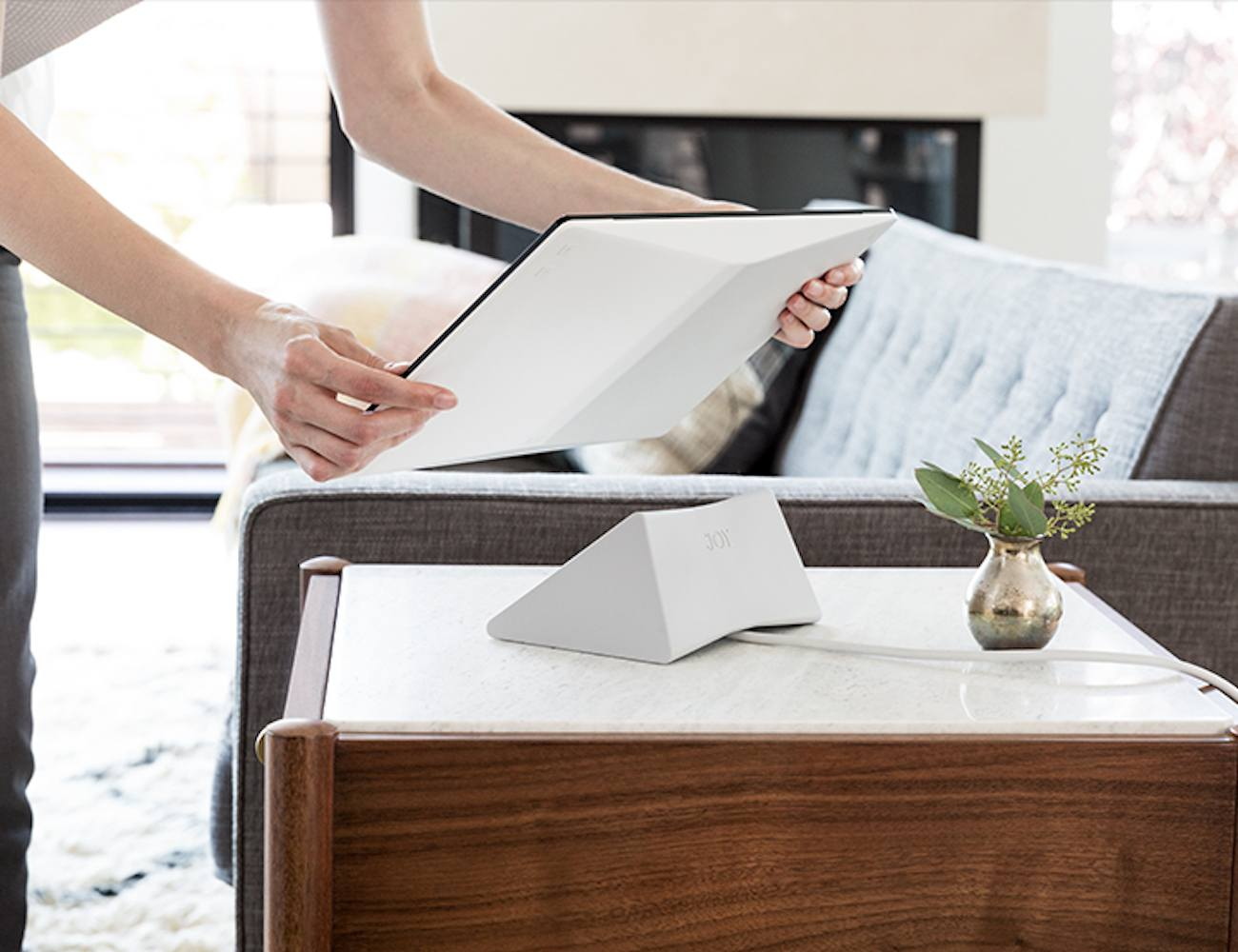 Interactive Coffee Table Joy Interactive Photo Album Review The Gadget Flow