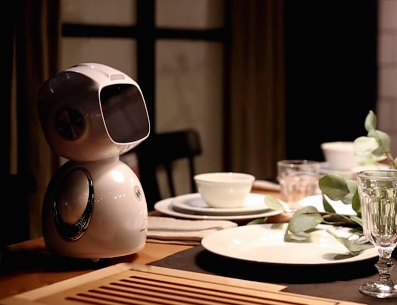 Omate Yumi Robot