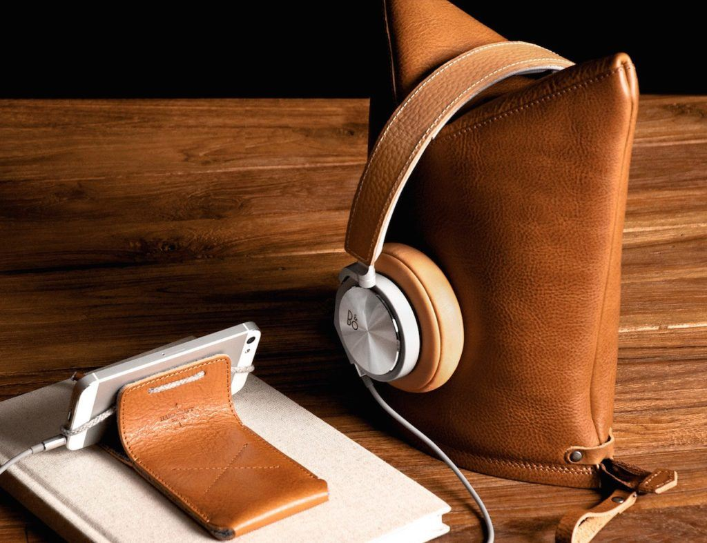 leather headphone stand and case