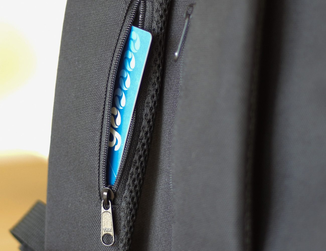 Presli – The Smartest Anti-Theft Backpack