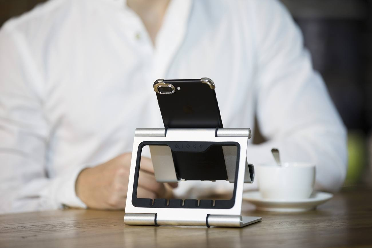 Rmour – Silver Case for Your iPhone 7 & 7 Plus