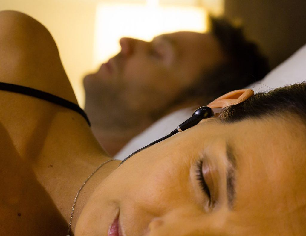 snore-less  sleeping device