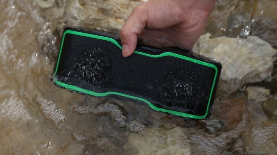 URPOWER IPX7 Waterproof Bluetooth Speaker