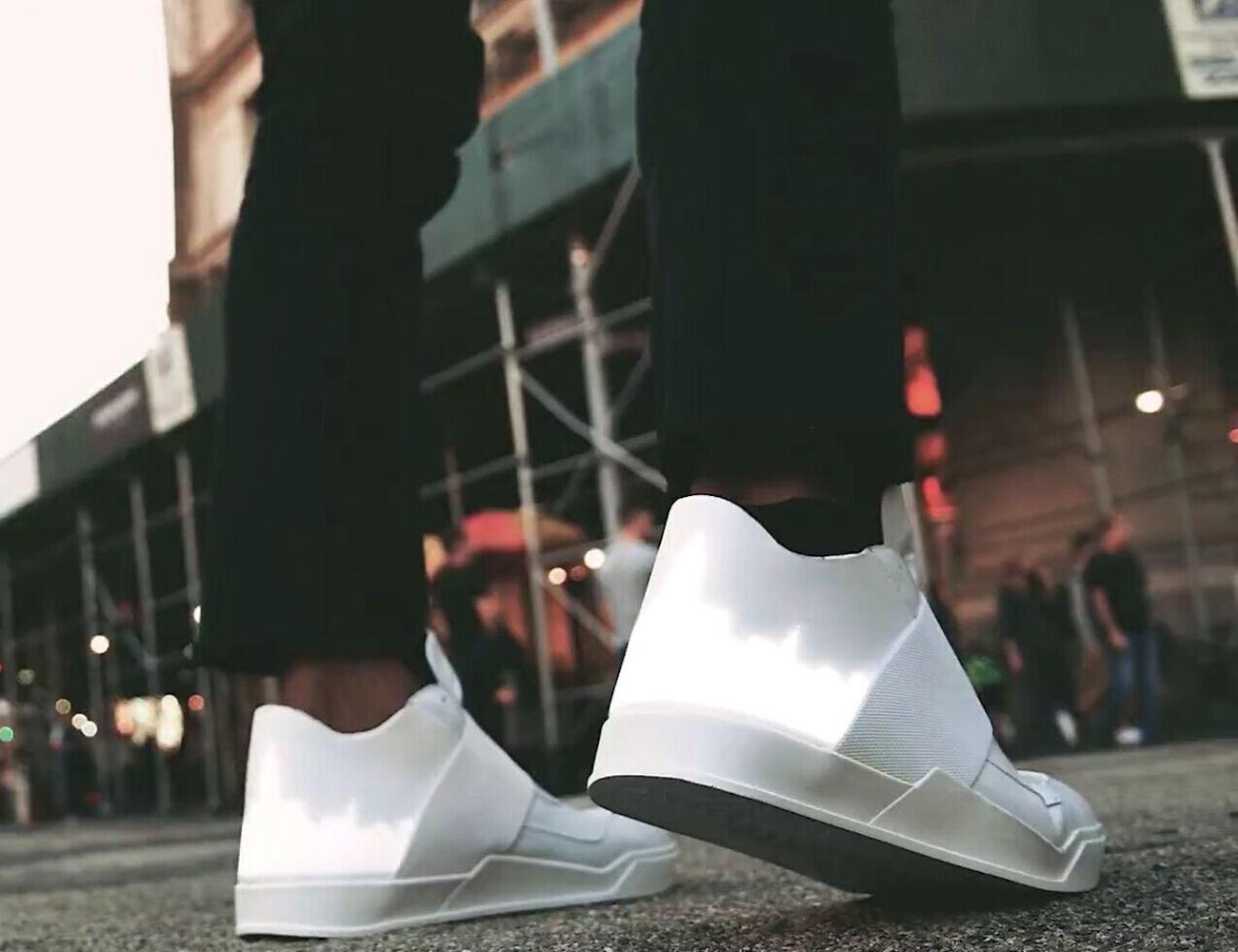 Vixole – Customizable E-Sneaker