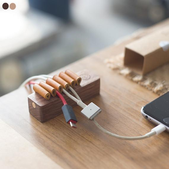 wooden_desktop_cable_organizer_6_grande