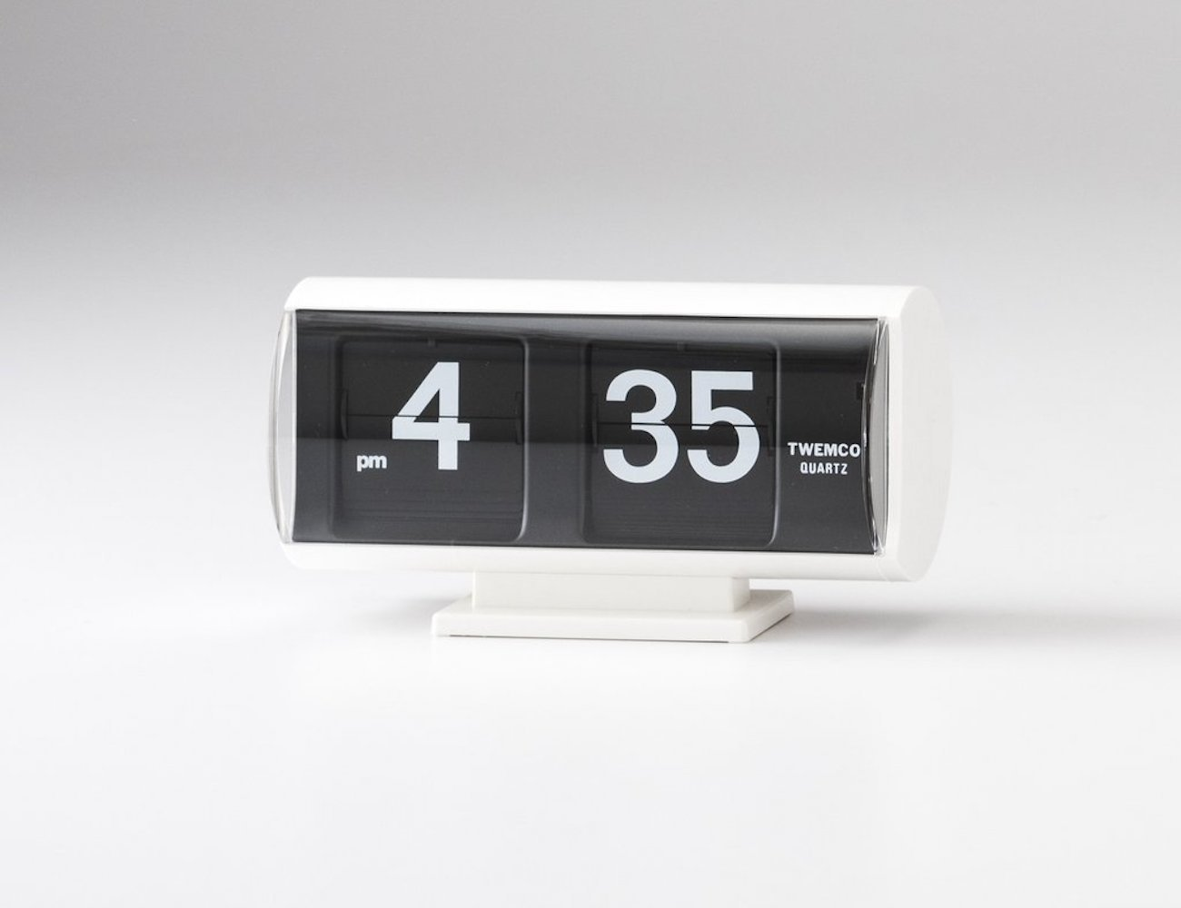 Retro Analogue Flip Clock