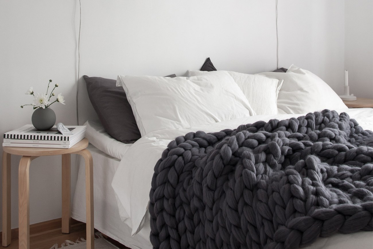 extra large blanket by ohhio gadget flow. Black Bedroom Furniture Sets. Home Design Ideas