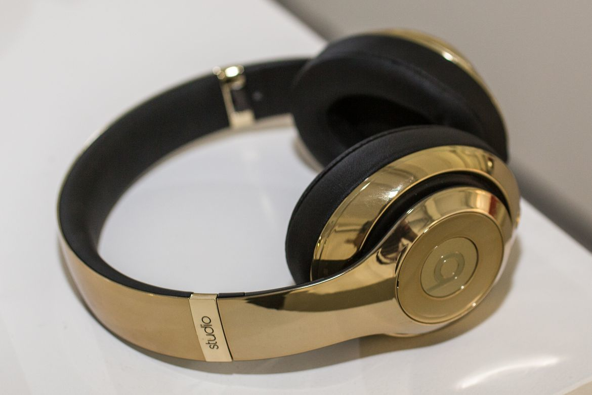 Gold Beats by Dr. Dre Pill 2.0 and Headphones