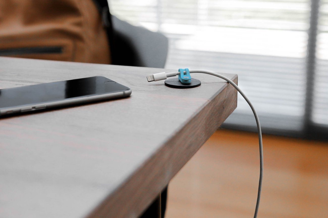 Magnetic+Cable+Organizer