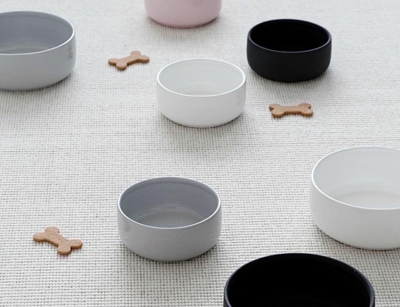 Ole Hyvä Ceramic Dog Bowl