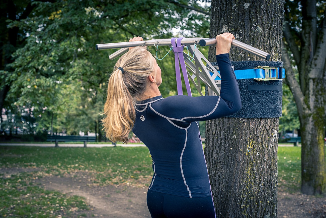 Portable Pullup Dip Bar