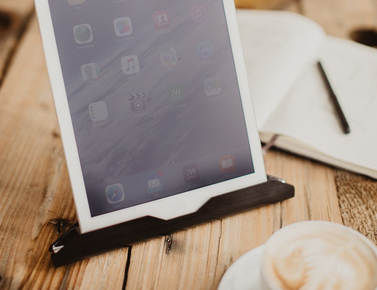 The T iPad and Tablet Holder