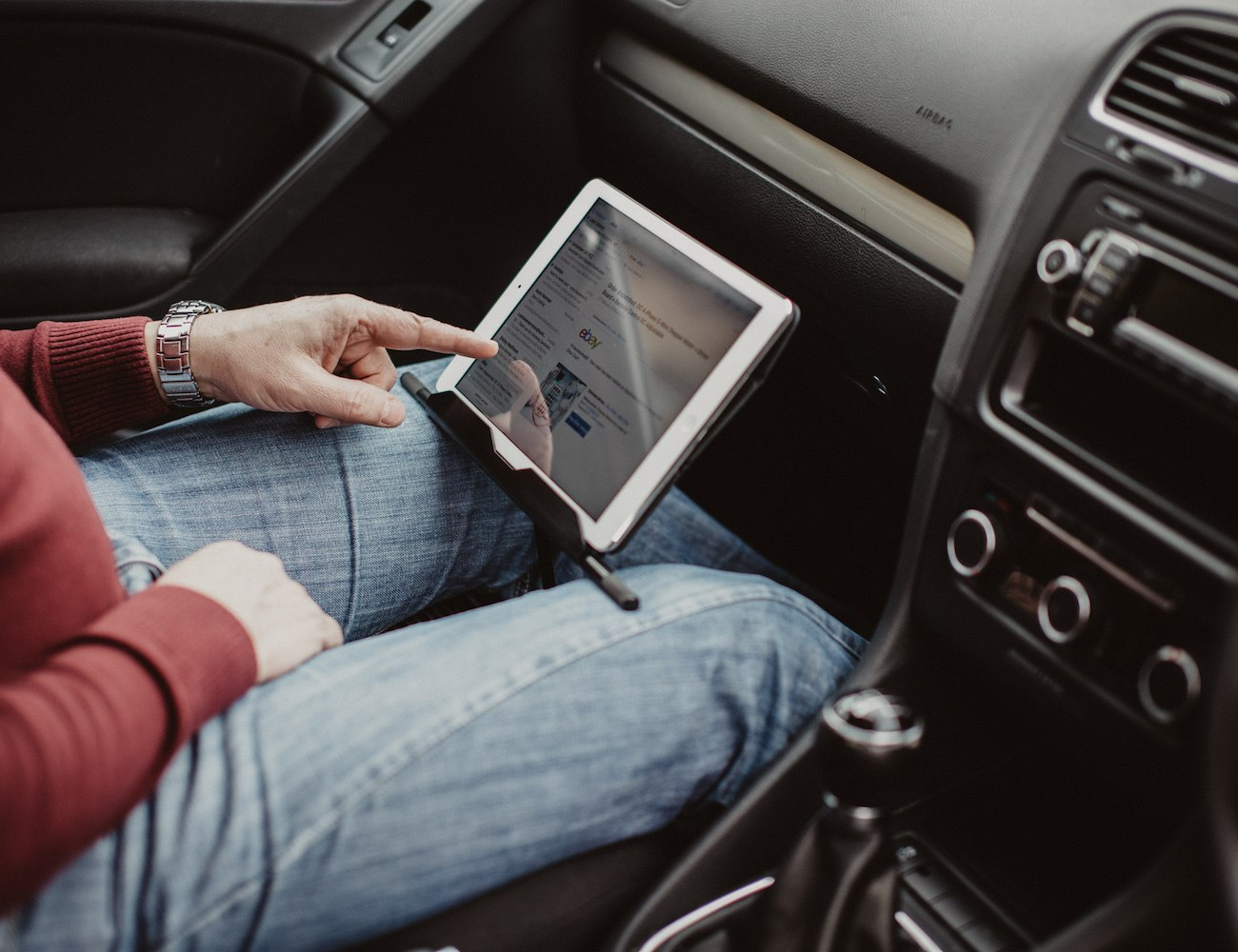 The T iPad and Tablet Mount-Holder