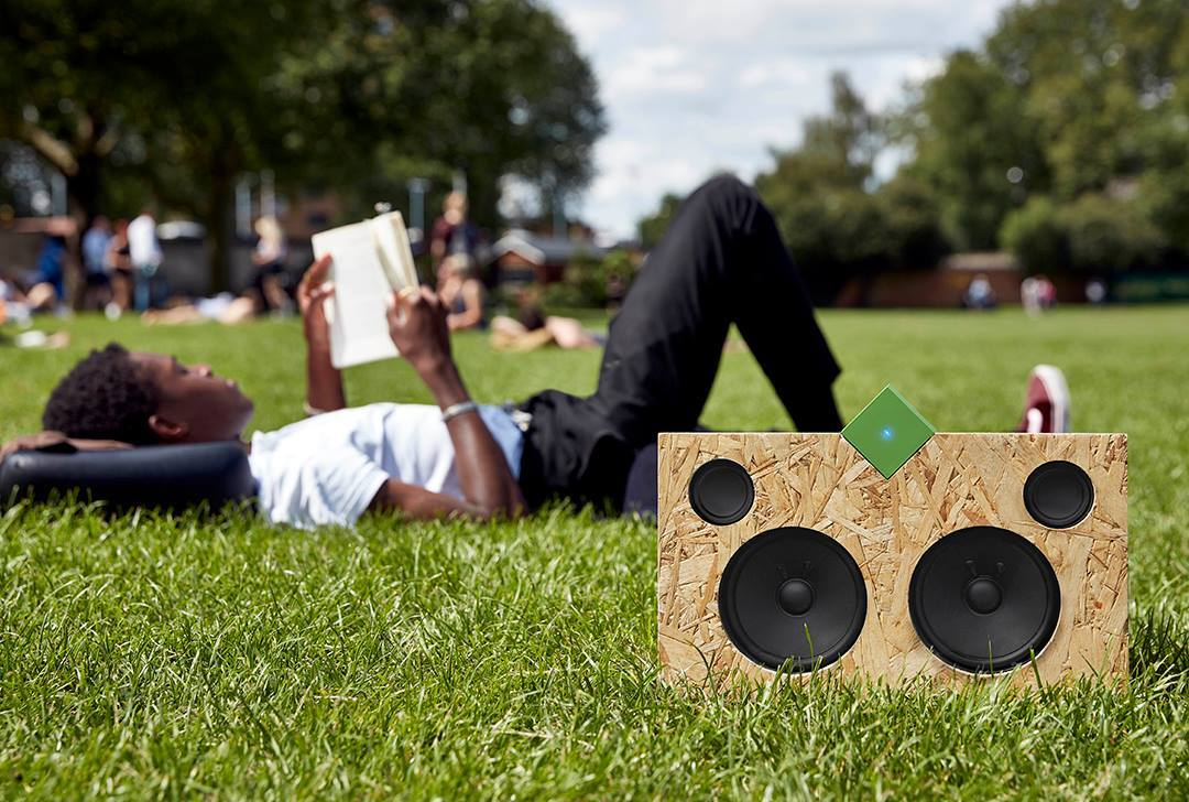 The Vamp Stereo + Speaker