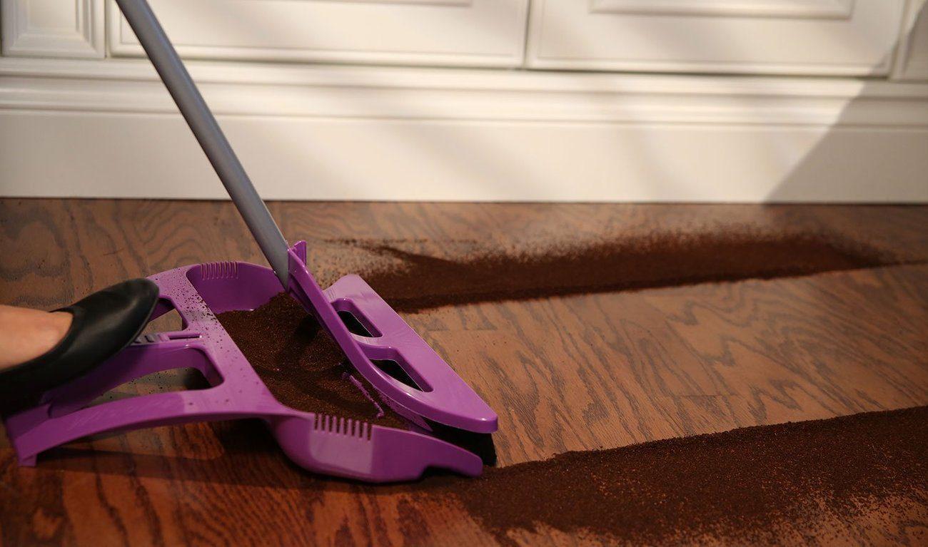 The WISP One-Handed Broom