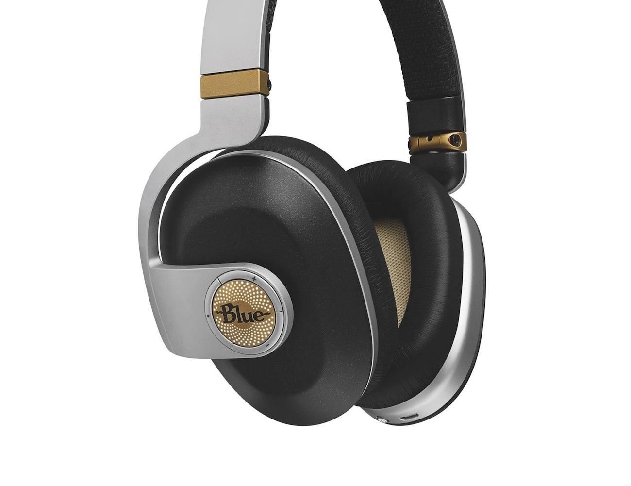 Blue Satellite Wireless Amplifier Headphones