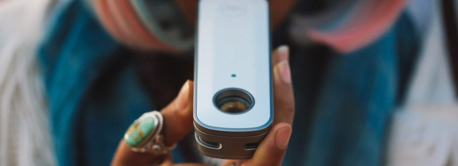 The Firefly2 Luxury Vaporizer Heats to 400 Degrees in Just Seconds