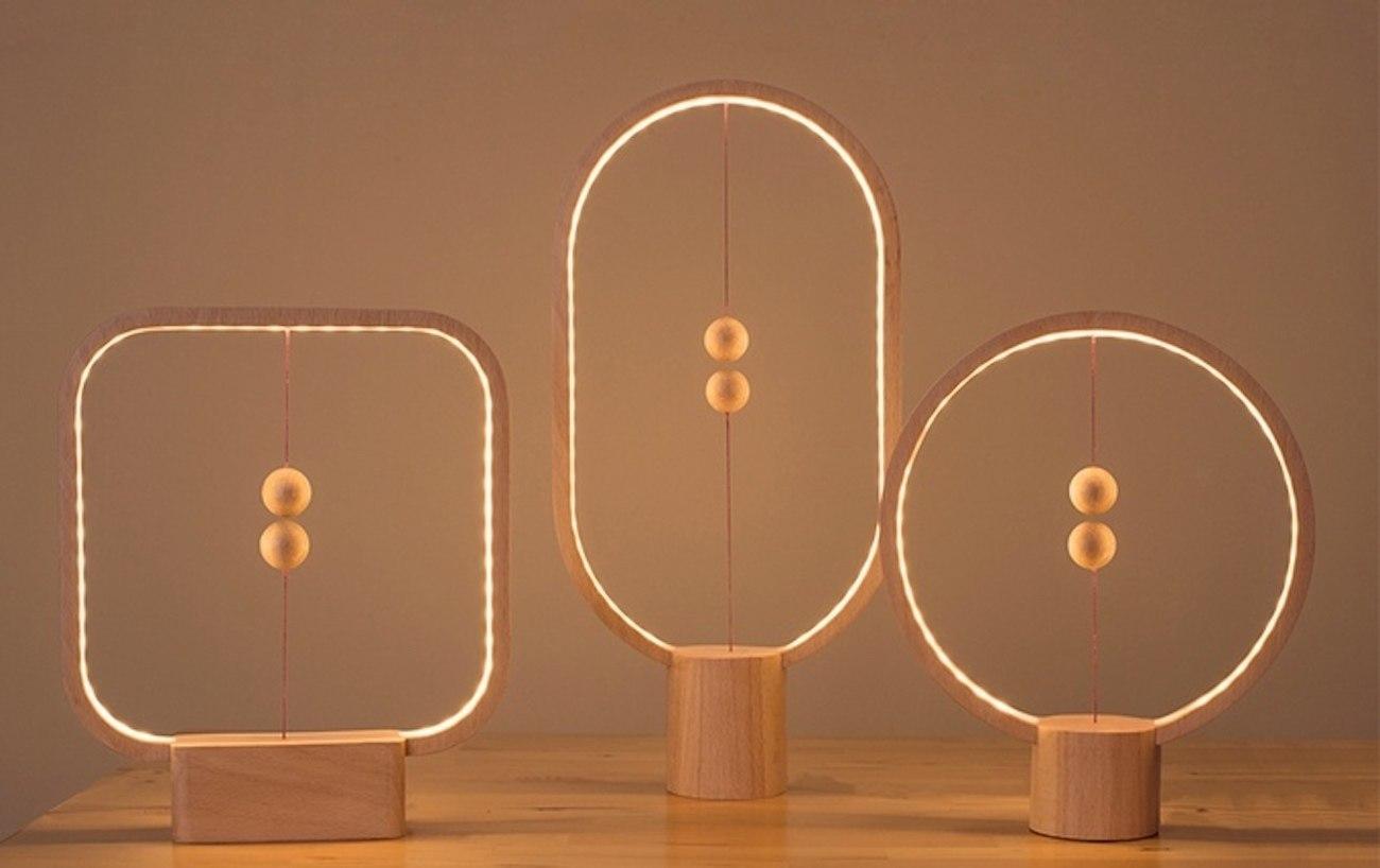 Heng Wooden Balance Lamp